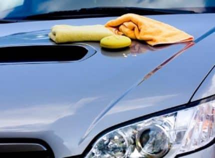 Comment bien cirer une voiture ?