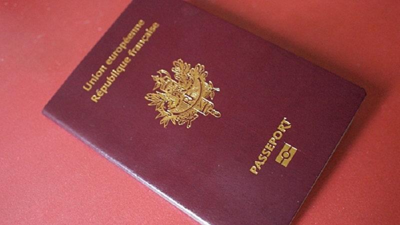 Comment savoir si mon passeport est biométrique